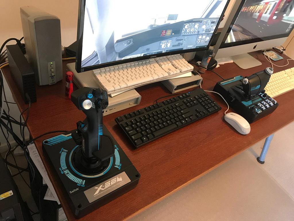 Saitek x52 Desk 1.jpg