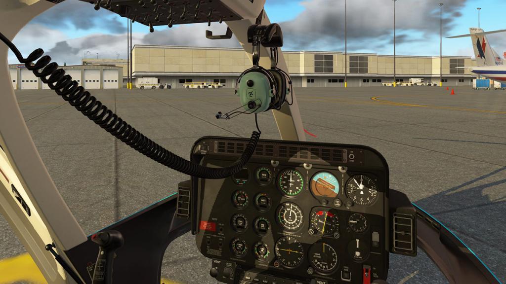 Bell 407_cockpit 1.jpg