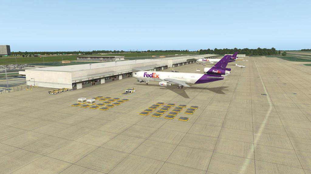 Aerosoft DFW_East 3.jpg