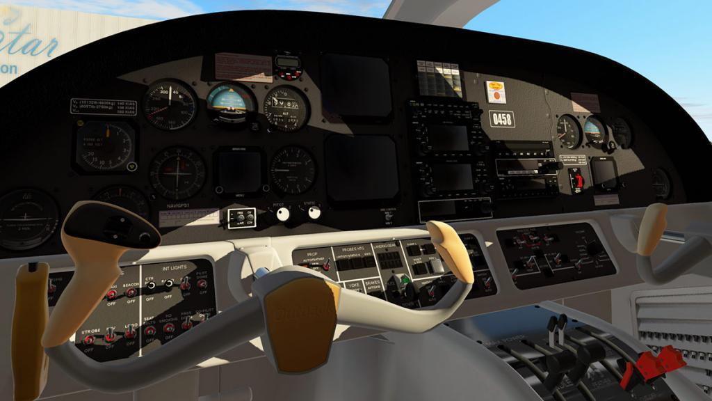 Evektor EV 55 Outback_Cockpit 1.jpg