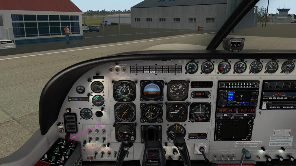 Car_C208B_YMLT 6.jpg
