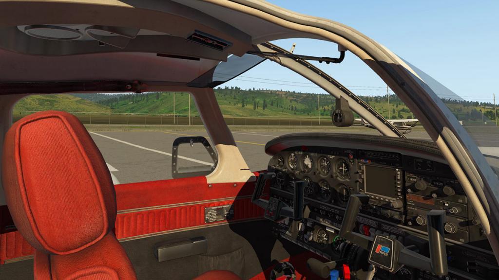 JF_PA28_Arrow_Cabin 1.jpg