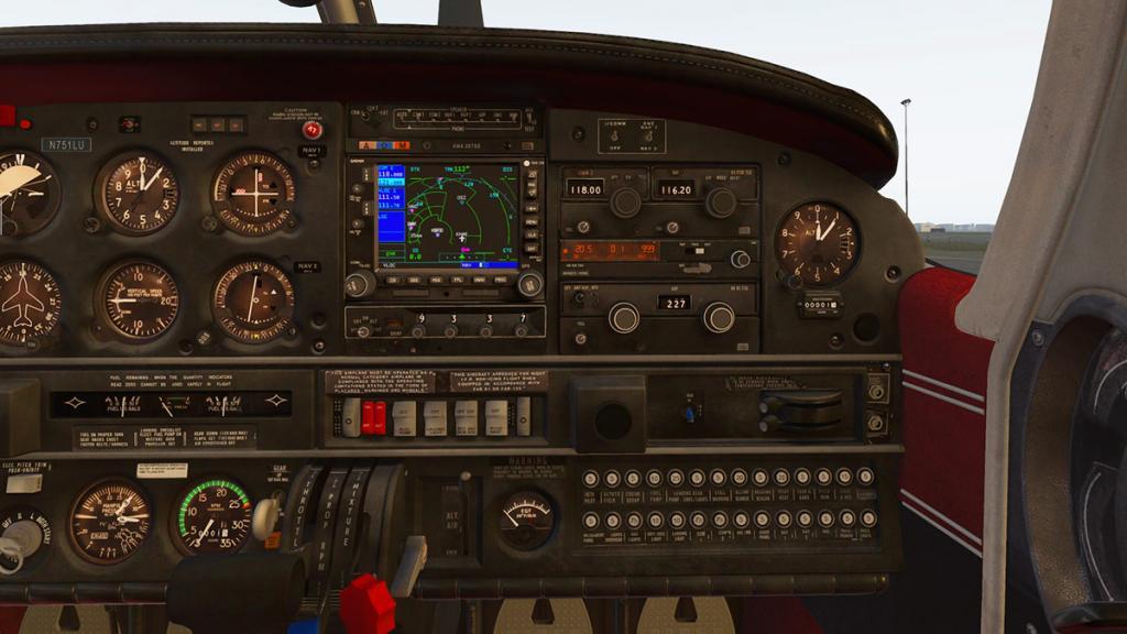 JF_PA28_Arrow_Panel Avionics 1.jpg