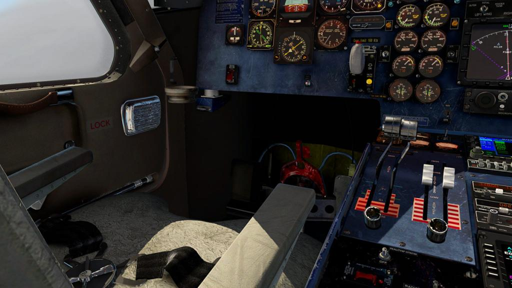 DO228_Cockpit 5.jpg
