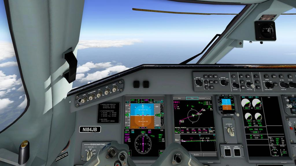 SSGE-195LR_Evo_Cockpit 3.jpg
