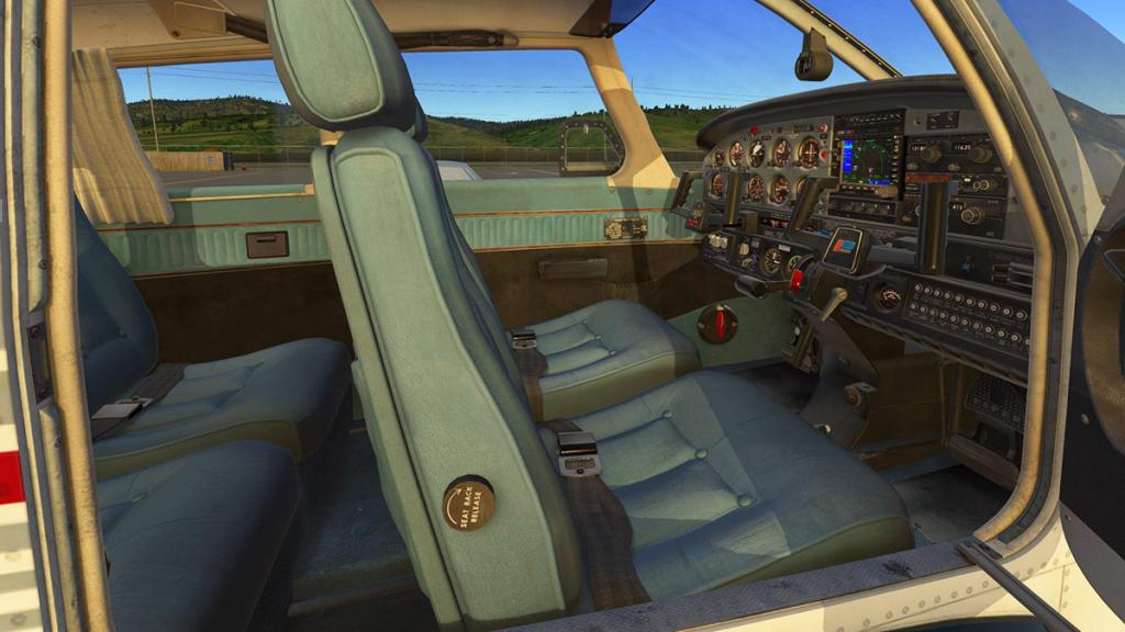 JF_PA28_Turbo_Arrow lll_Interior 3.jpg