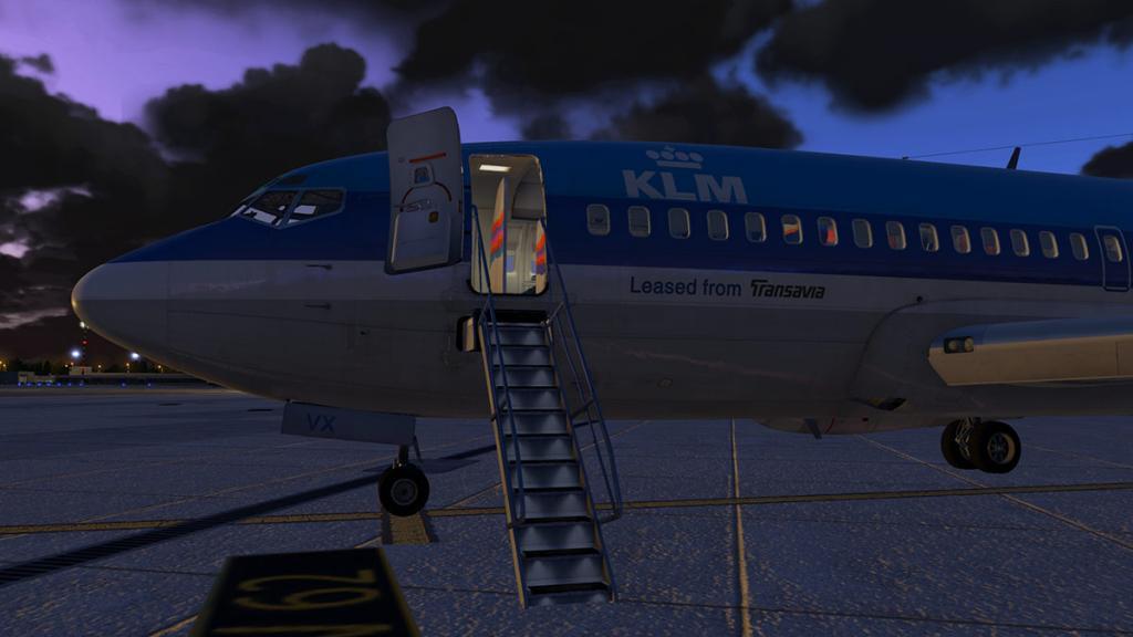 FJS_732_TwinJet_Cabin 14.jpg