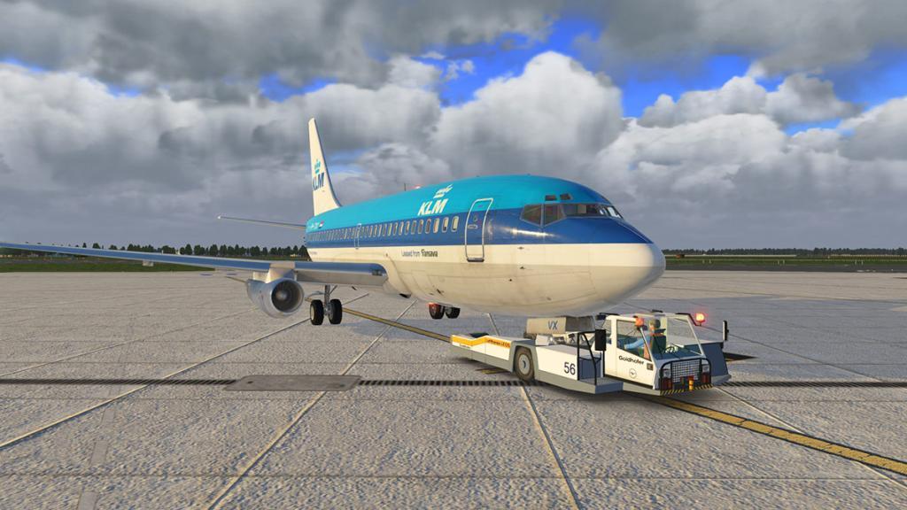 FJS_732_TwinJet_Push back 1.jpg