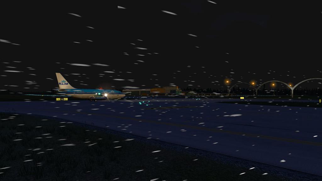 FJS_732_TwinJet_Landing 15.jpg