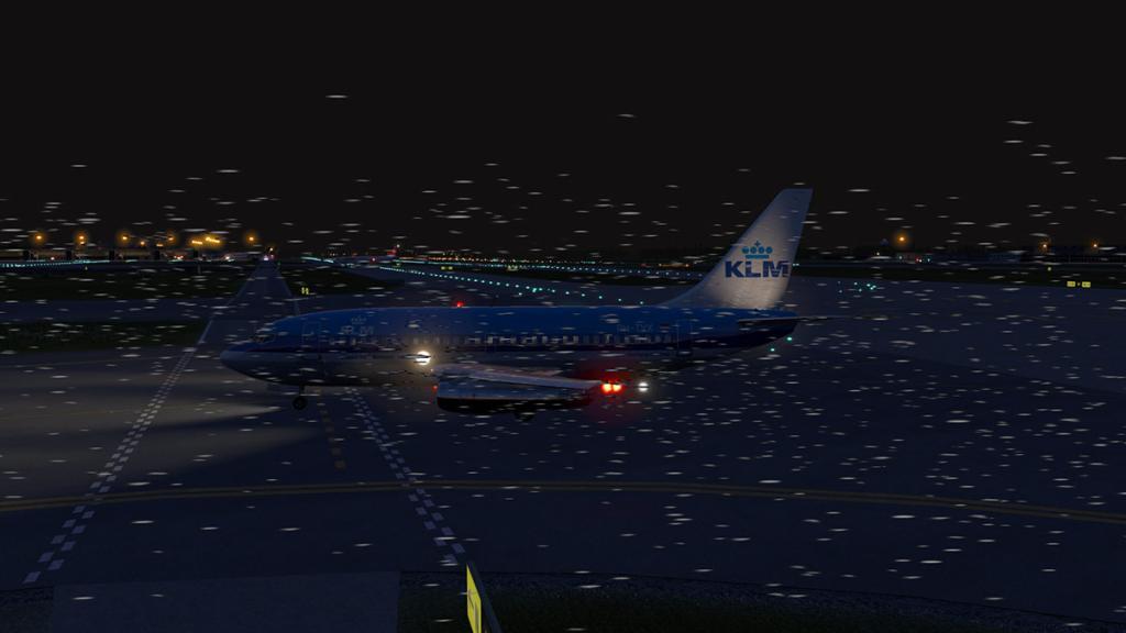 FJS_732_TwinJet_Landing 16.jpg