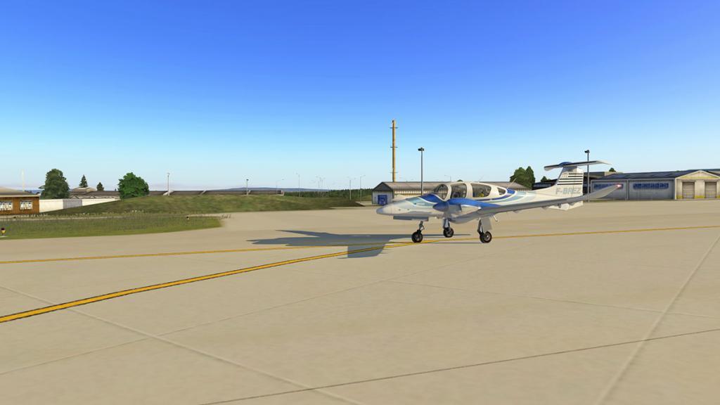 DA42_Flying 1.jpg