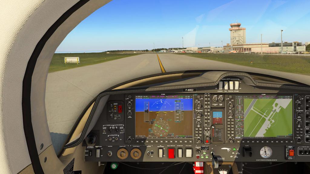 DA42_Flying 2.jpg