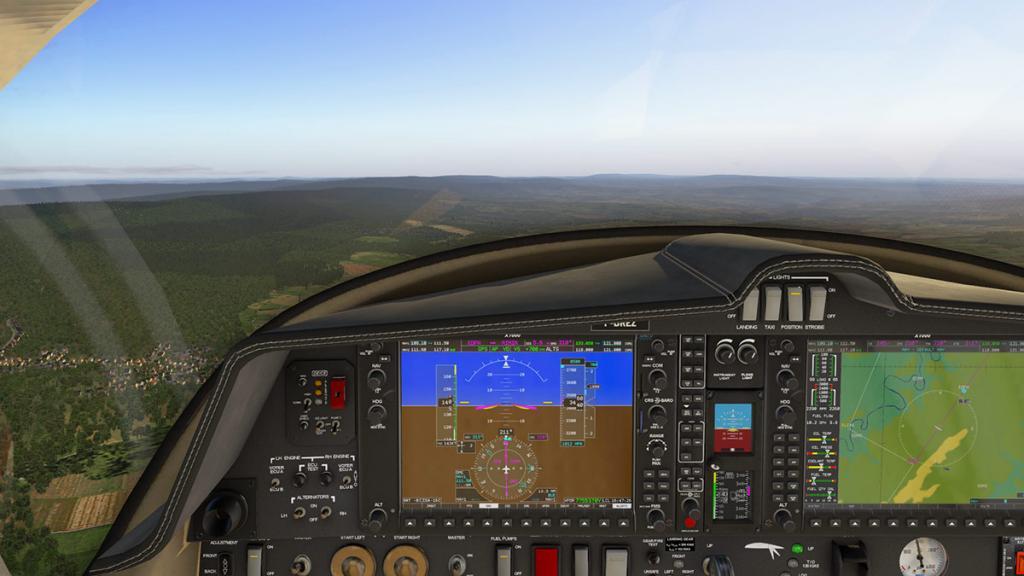 DA42_Flying 8.jpg