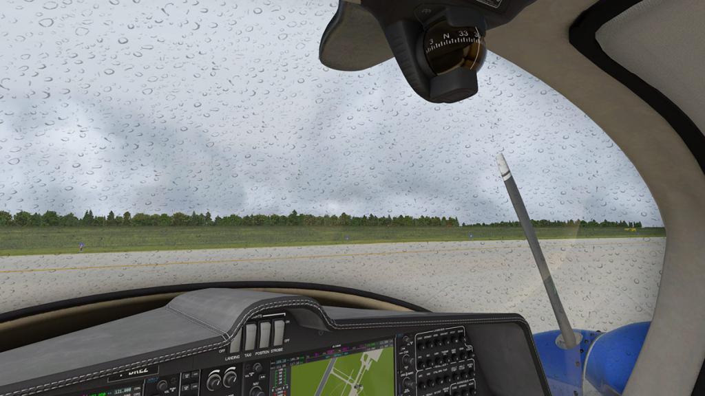 DA42_Rain 1.jpg