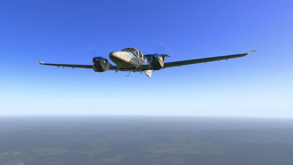 DA42_Flying 10.jpg