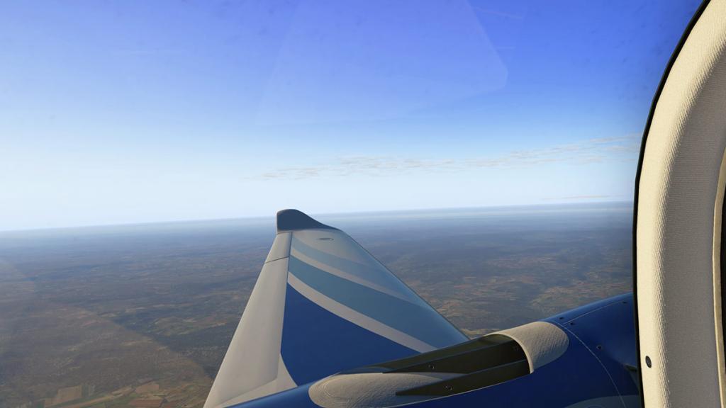 DA42_Flying 12.jpg