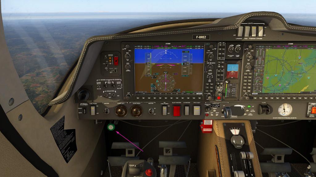 DA42_Flying 14.jpg