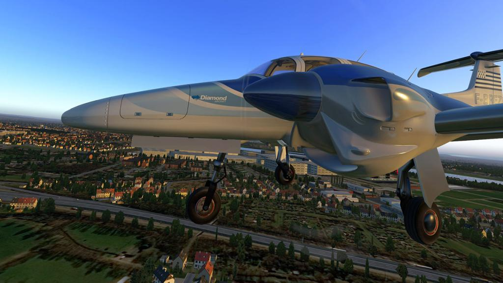 DA42_Flying 19.jpg