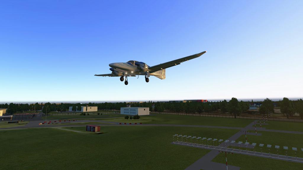 DA42_Flying 21.jpg
