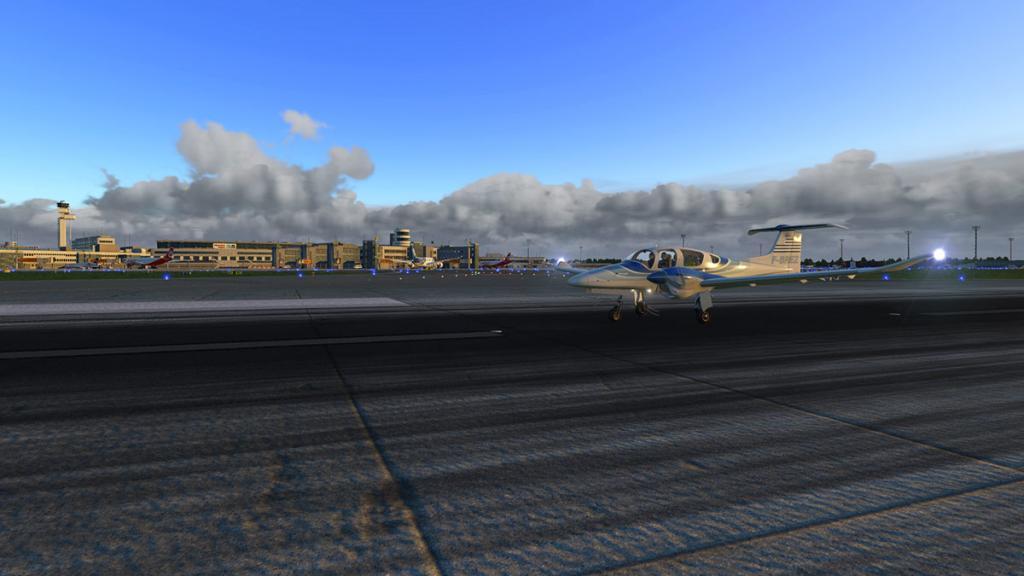 DA42_Flying 25.jpg