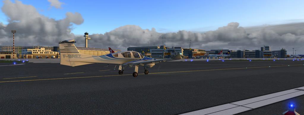 DA42_Flying 27 LG.jpg
