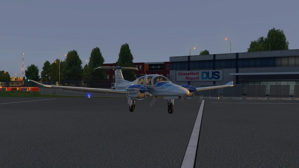 DA42_Flying 29.jpg