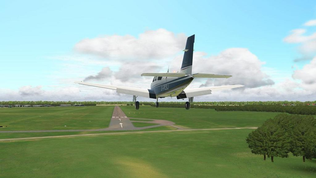 EGAK - Shoreham_Airport RWY20 7.jpg