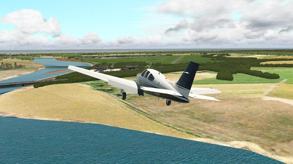 EGAK - Shoreham_Airport RWY20 5.jpg