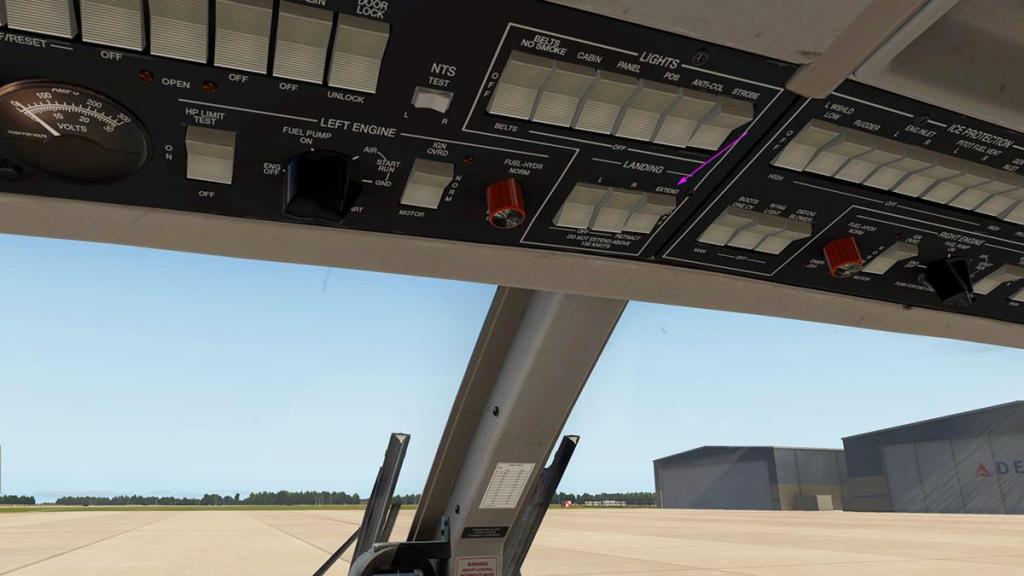 Car_690B_TurboCommander_Landing Lights 3.jpg