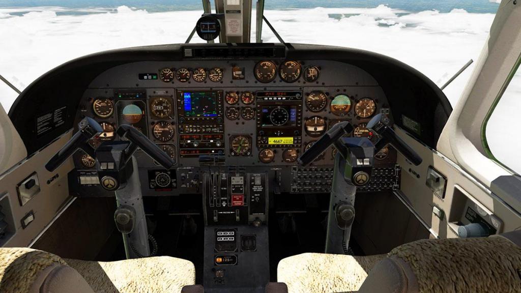 Car_690B_TurboCommander_Cockpit 1.jpg