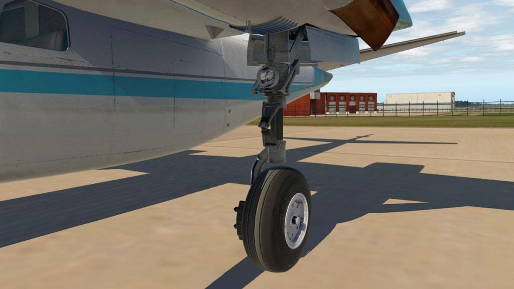 Car_690B_TurboCommander_Ground 2.jpg