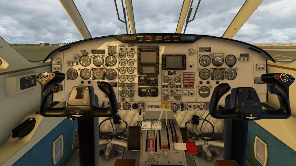 EMB110_XP11_ Cockpit 9.jpg