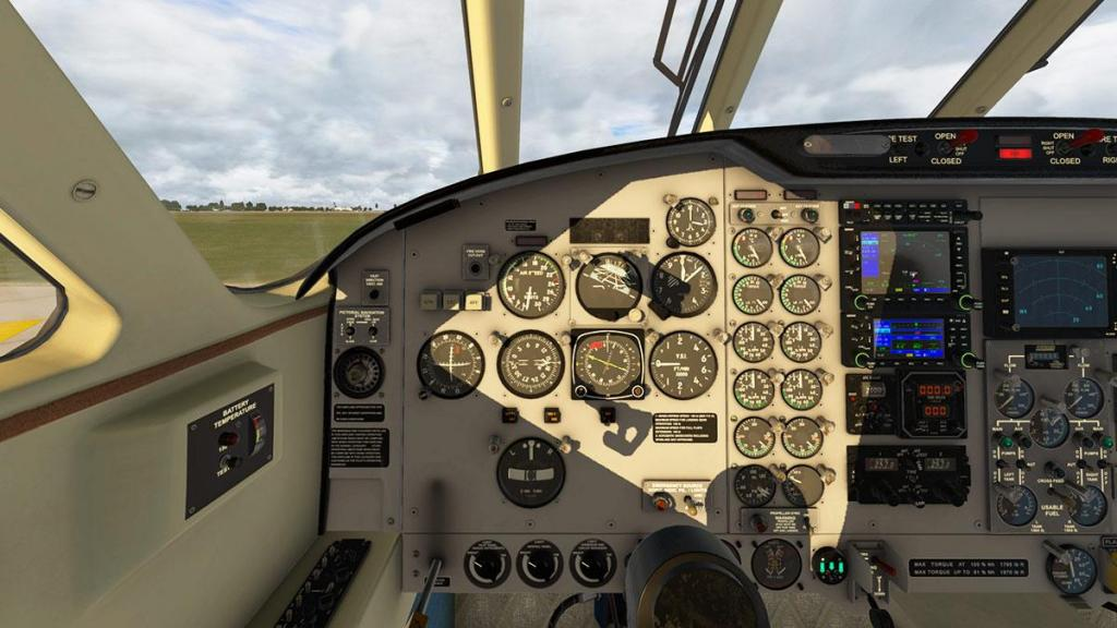 EMB110_XP11_ Cockpit 11.jpg