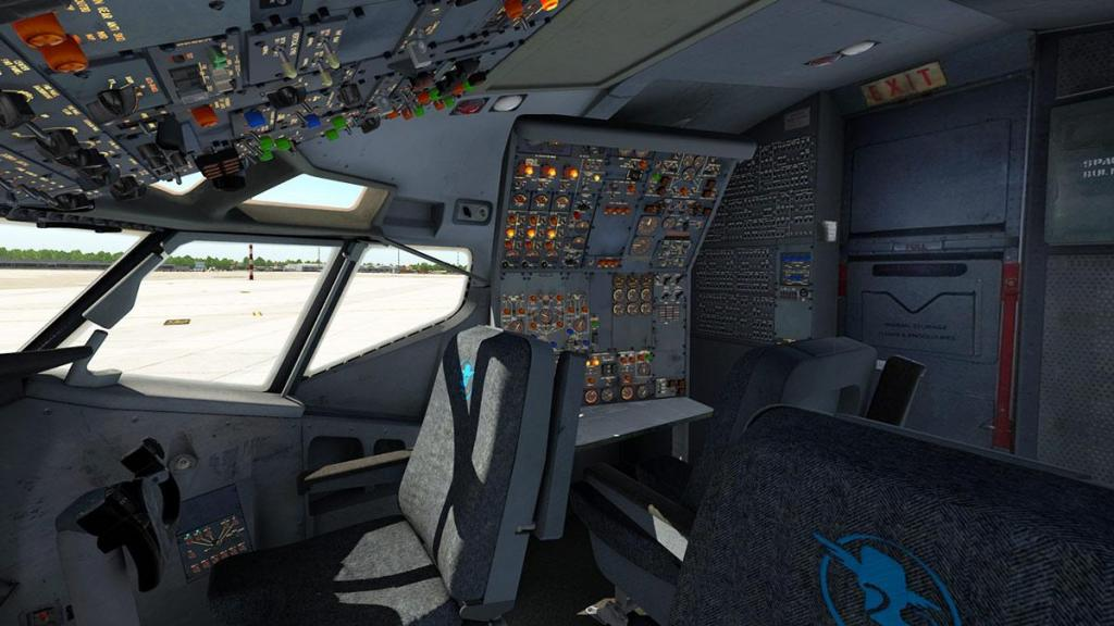 727-200Adv_Cockpit 3.jpg