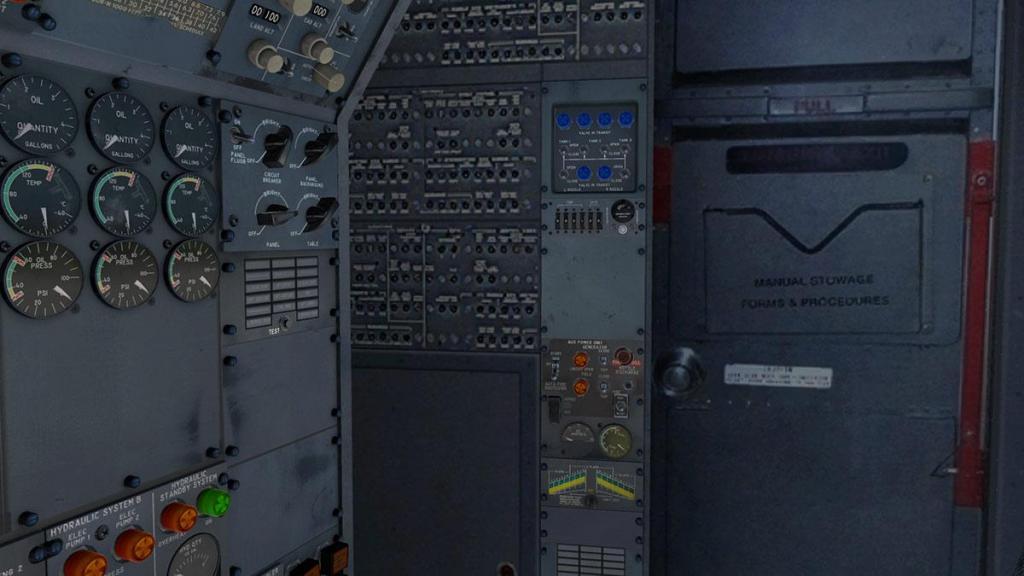 727-200Adv_Cockpit 9.jpg