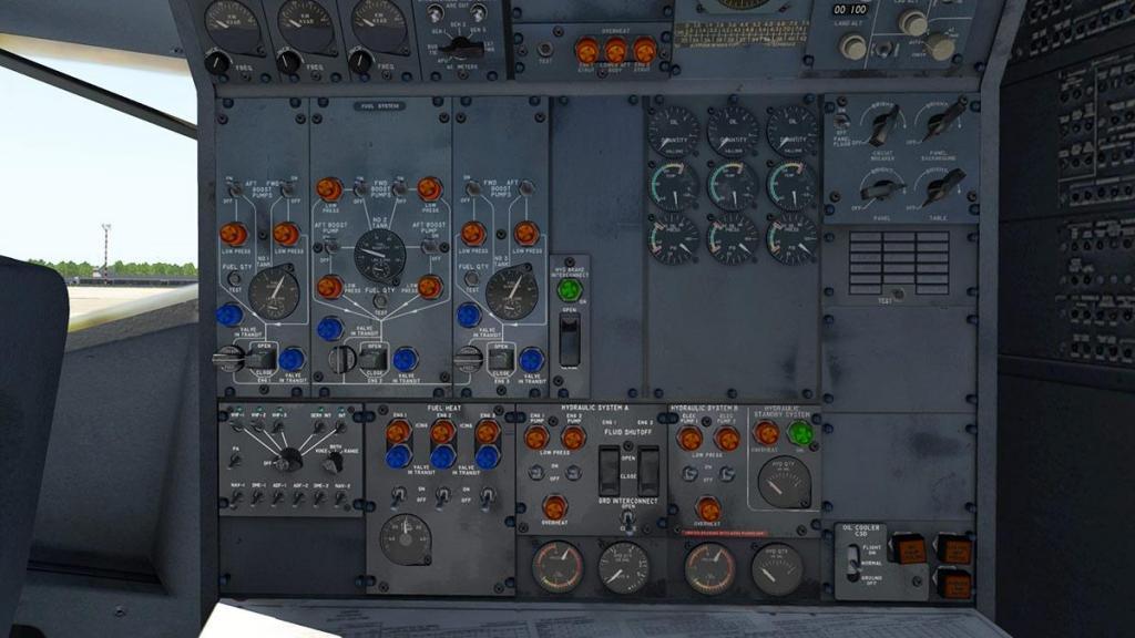 727-200Adv_Cockpit 8.jpg
