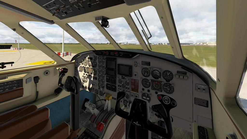 EMB110_XP11_ Cockpit 2.jpg