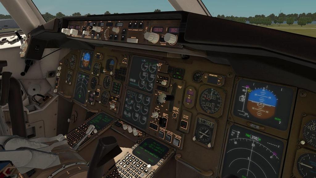 767-300F_Cockpit 4.jpg