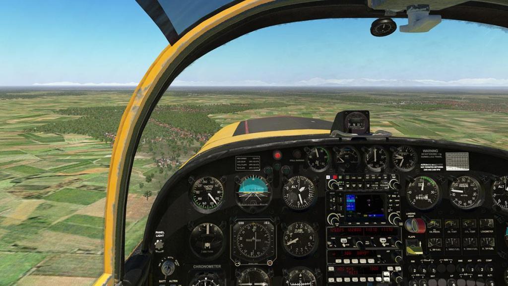 SF-260D_Fly 18.jpg
