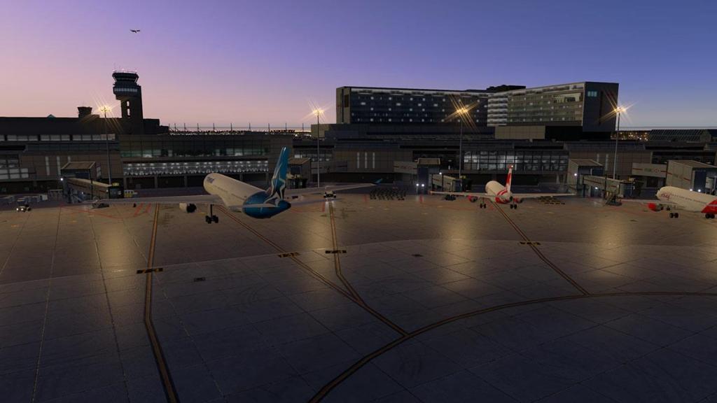 CYUL - Montreal Terminal lighting 3.jpg