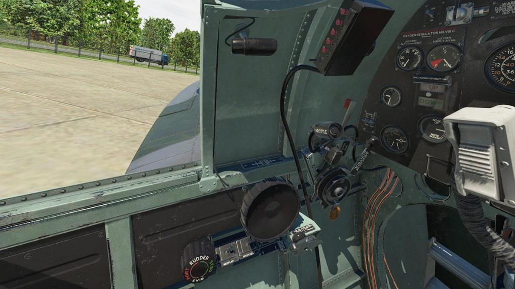 Spitfire L.F.Mk IXc_Cockpit 10.jpg