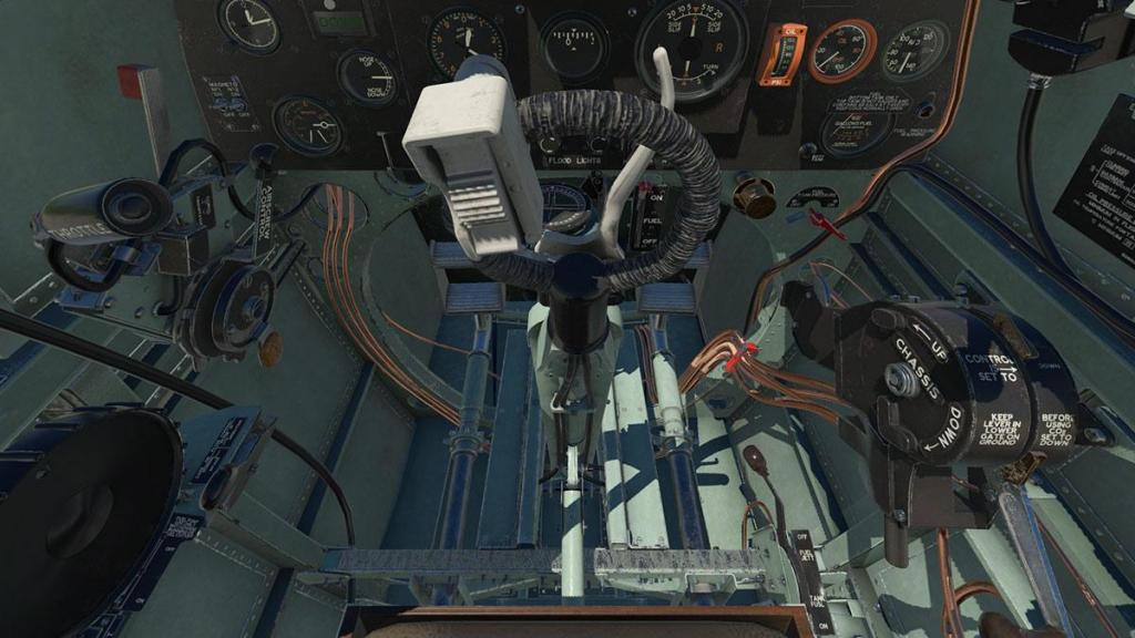 Spitfire L.F.Mk IXc_Cockpit 7.jpg