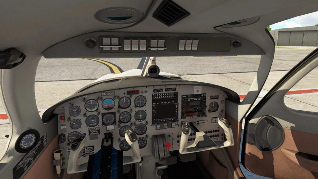 JF_PA28_Turbo Arrow_Cabin_Detail 7.jpg