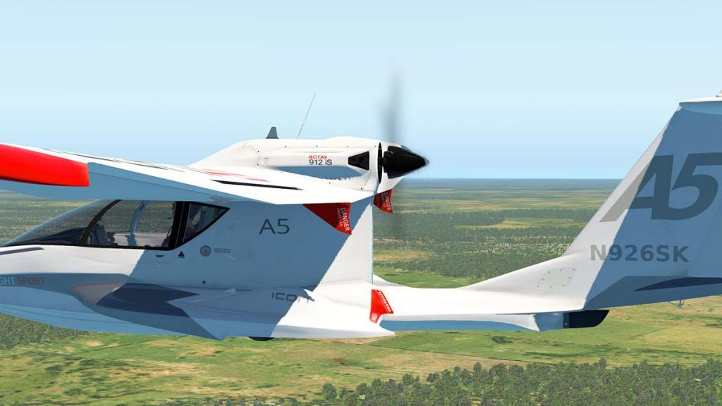 VSL ICON-A5_Flying 5.jpg